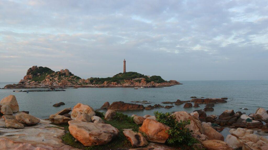 Достопримечательности Фатьета, Вьетнам - маяк Ке Га