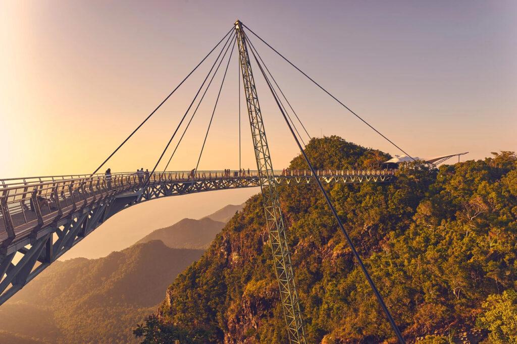 Подвесной воздушный мост на острове Лангкави