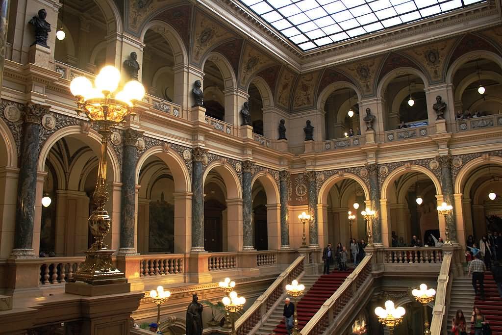 Интерьер национального музея в Праге
