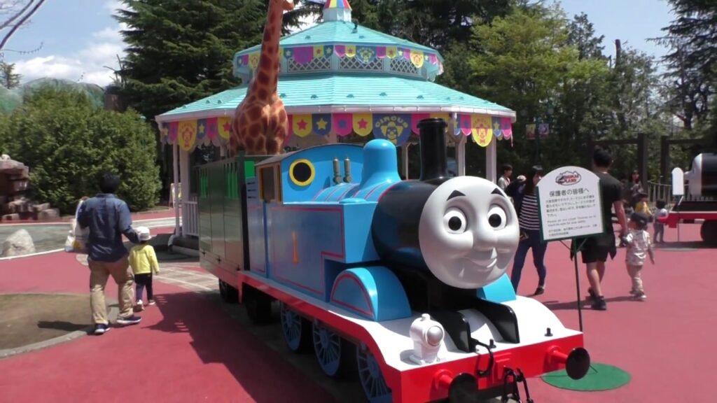 Детские аттракционы в Фуджи Хайленд, Япония