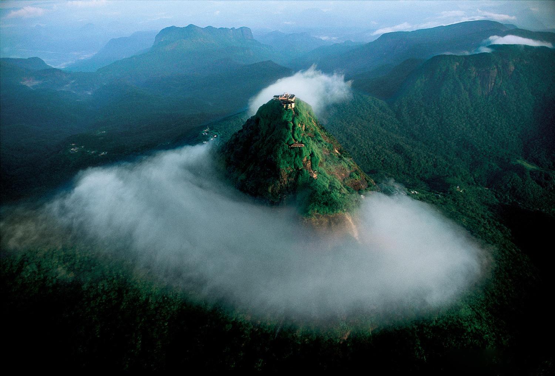 Гора Пик Адама на Шри-Ланке
