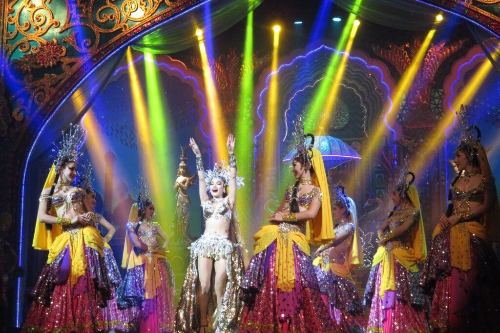 Тайское шоу Альказар в Паттайе