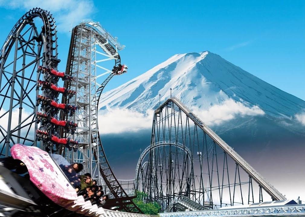 Парк развлечений Фуджи Хайленд в Японии