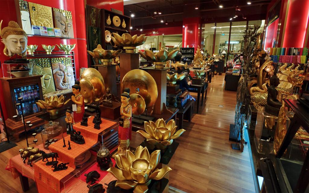 Магазин украшений и сувениров в Сингапуре