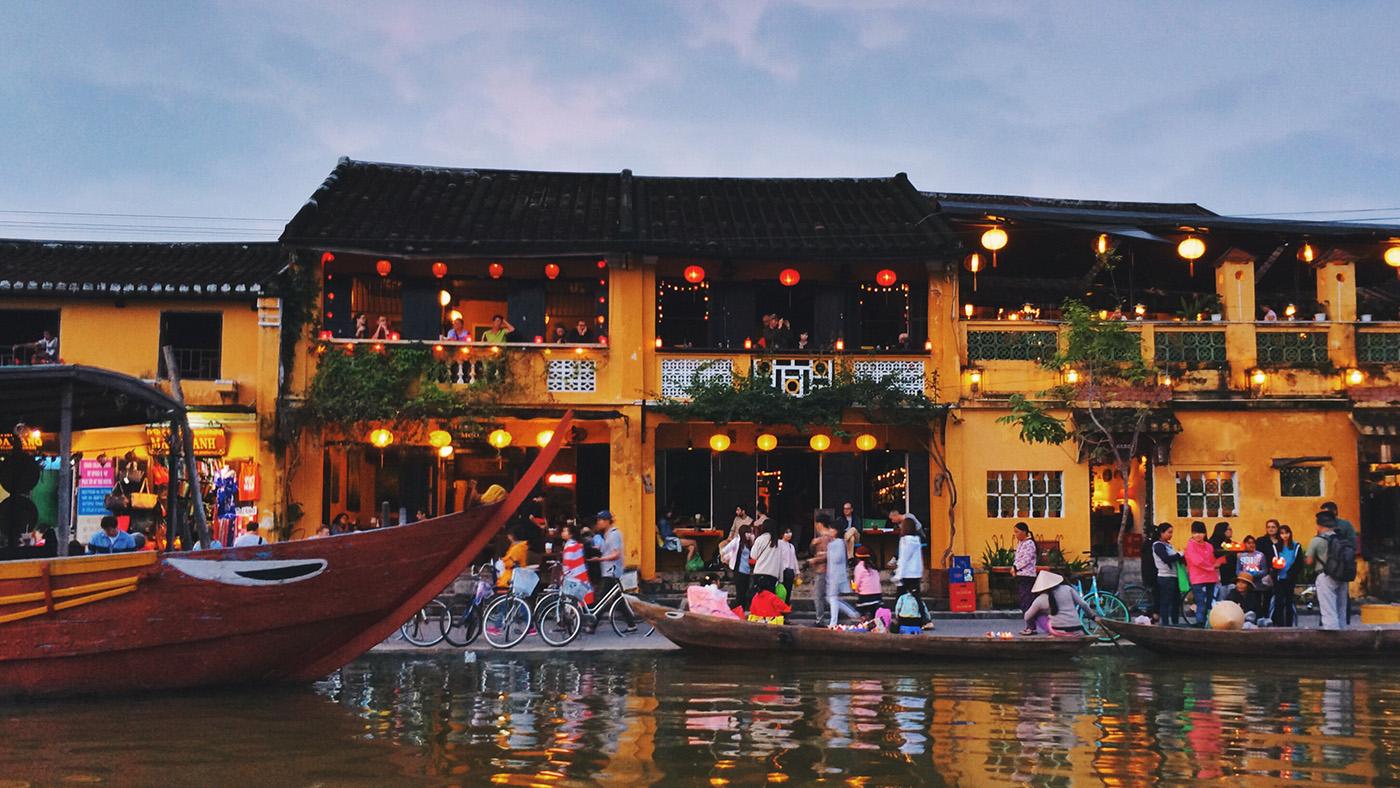 Отдых в городе Хойан, Вьетнам