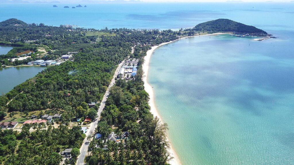 Длинный пляж Липа Ной на острове Самуи