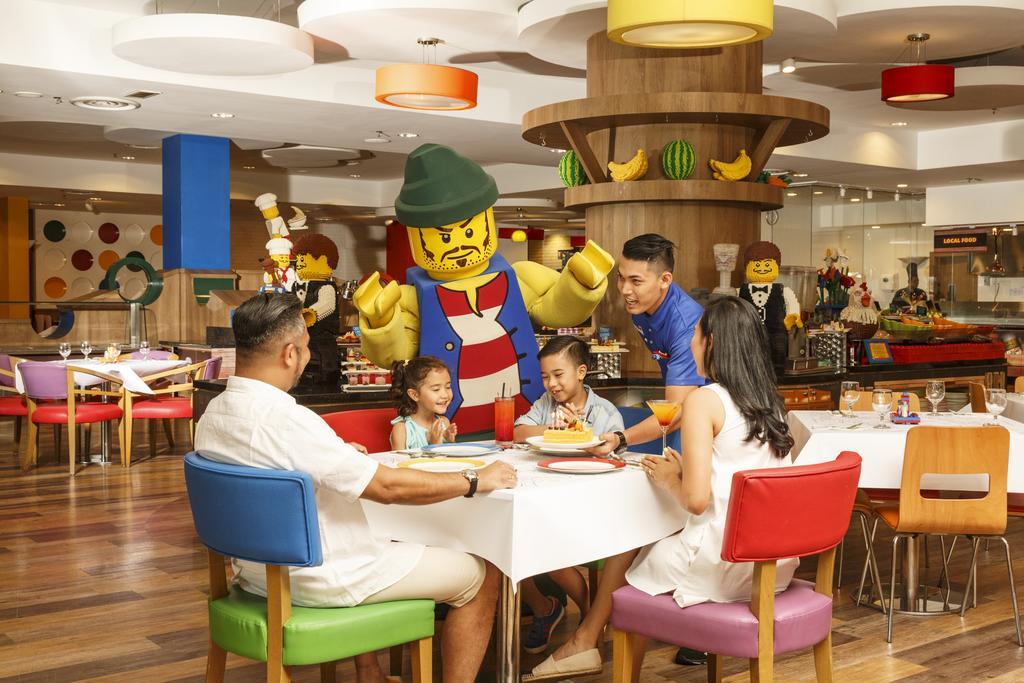 Кафе в парке развлечений в Малайзия