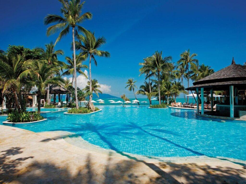 Отель на пляже Тонгсон в Таиланде