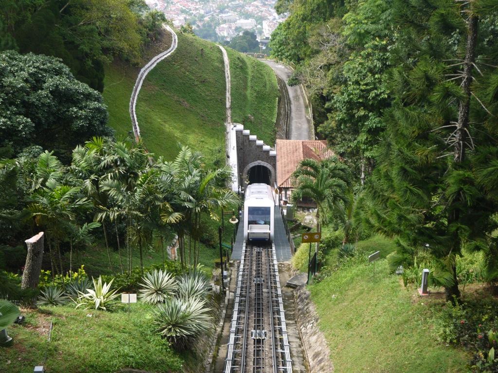 Курорт на острове Пенанг в Малайзии Пенанг Хилл