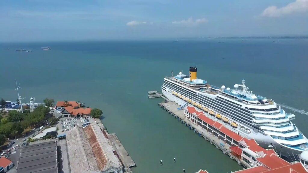 Порт на острове Пенанг в Малайзии