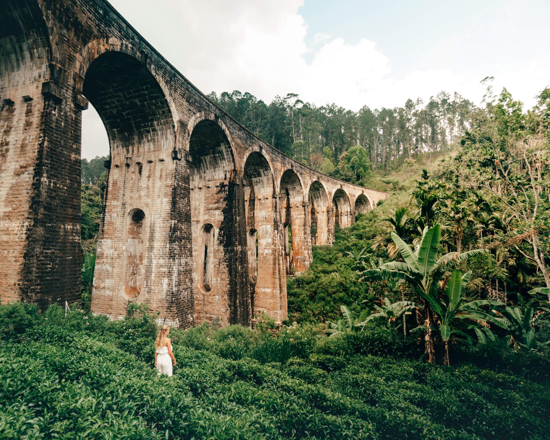 Девятиарочный мост в Элле (шри-Ланка)
