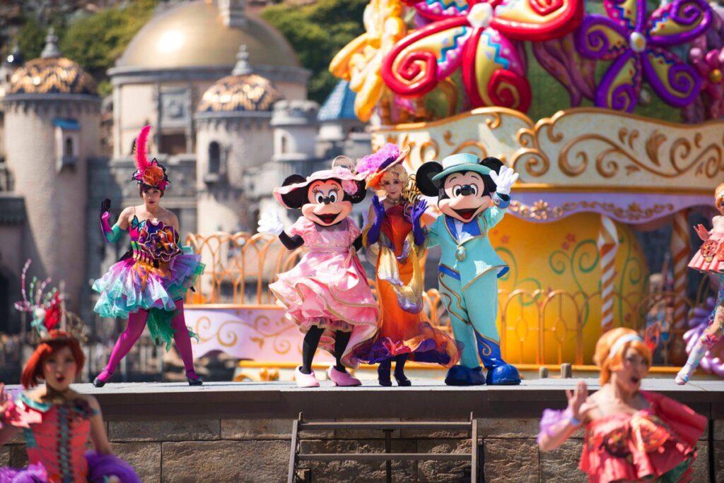 Парк развлечений DisneyLand в Токио