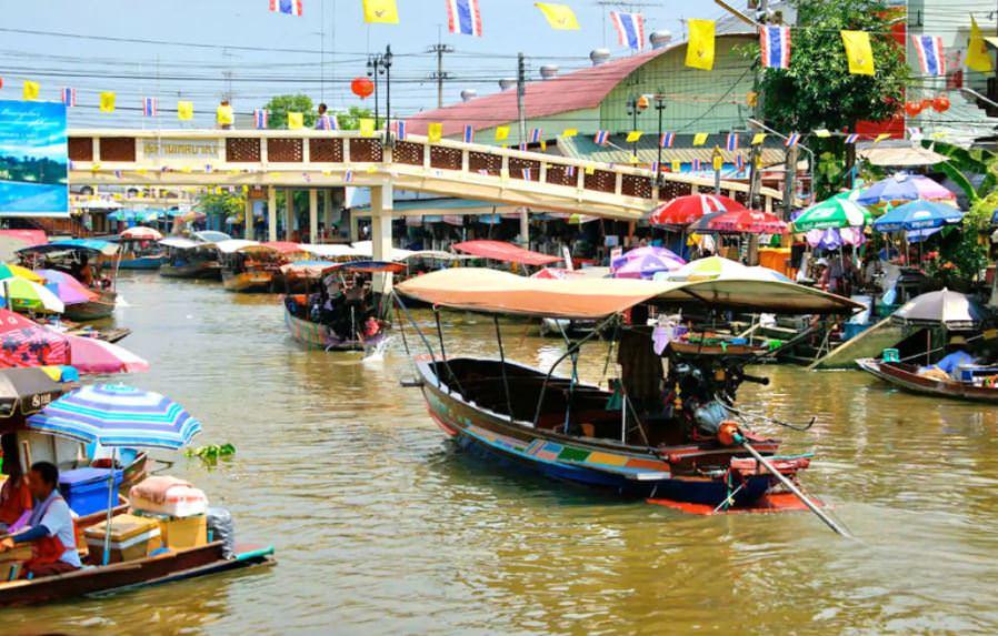 Рынок Ампхава возле Бангкока