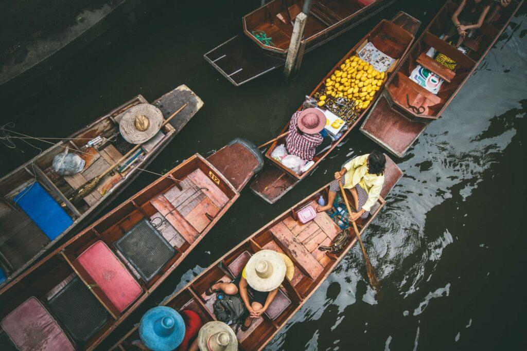 Рынок Тха Кха в Бангкоке