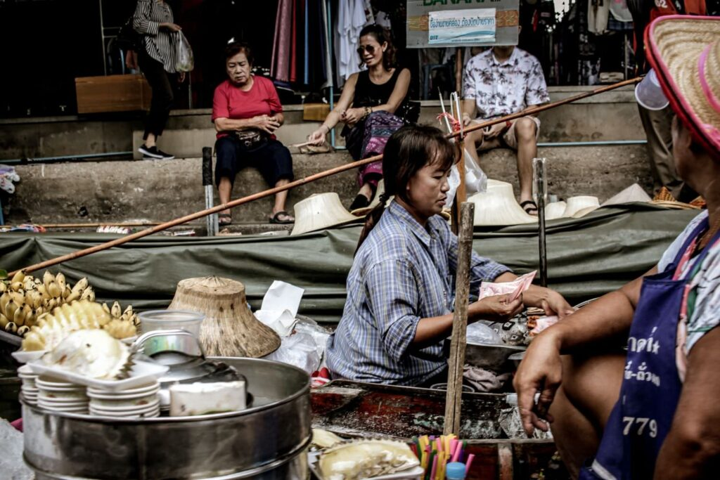 Плавучий рынок Тха Кха